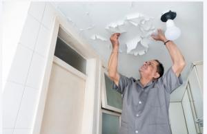 Réparer les dommages causés par l'eau au plafond